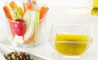 Pinzimonio di verdure con olio e mix creola