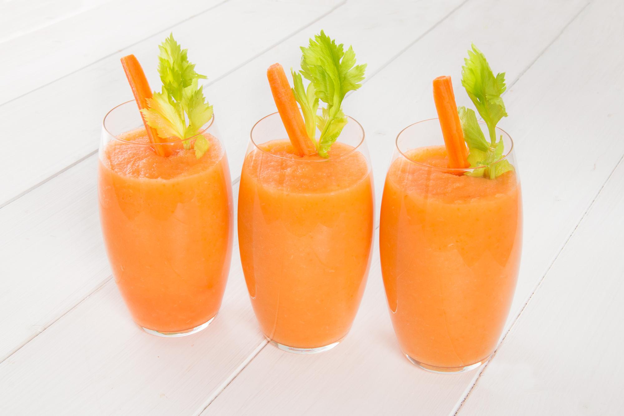 Smoothie mela, carota e sedano