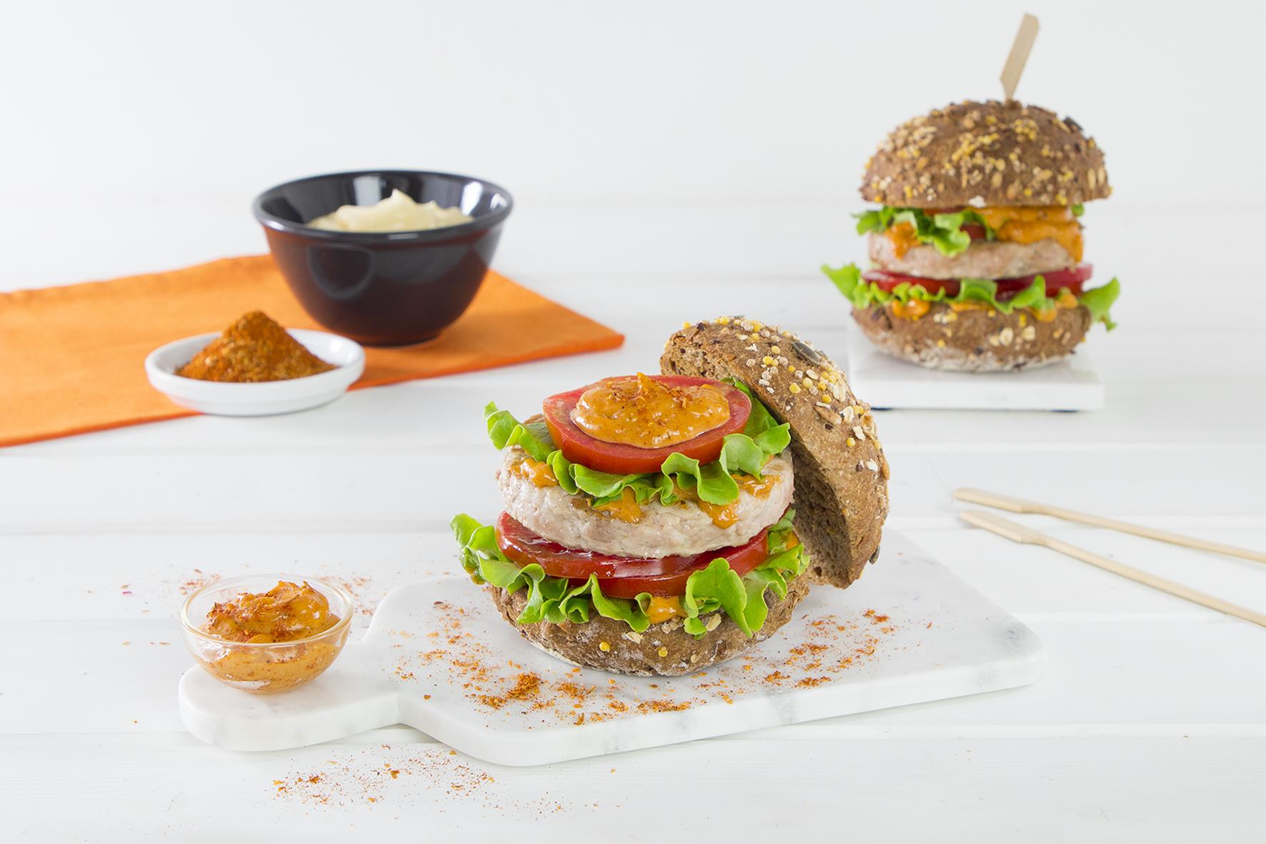 Burger di pollo con maionese al cajun