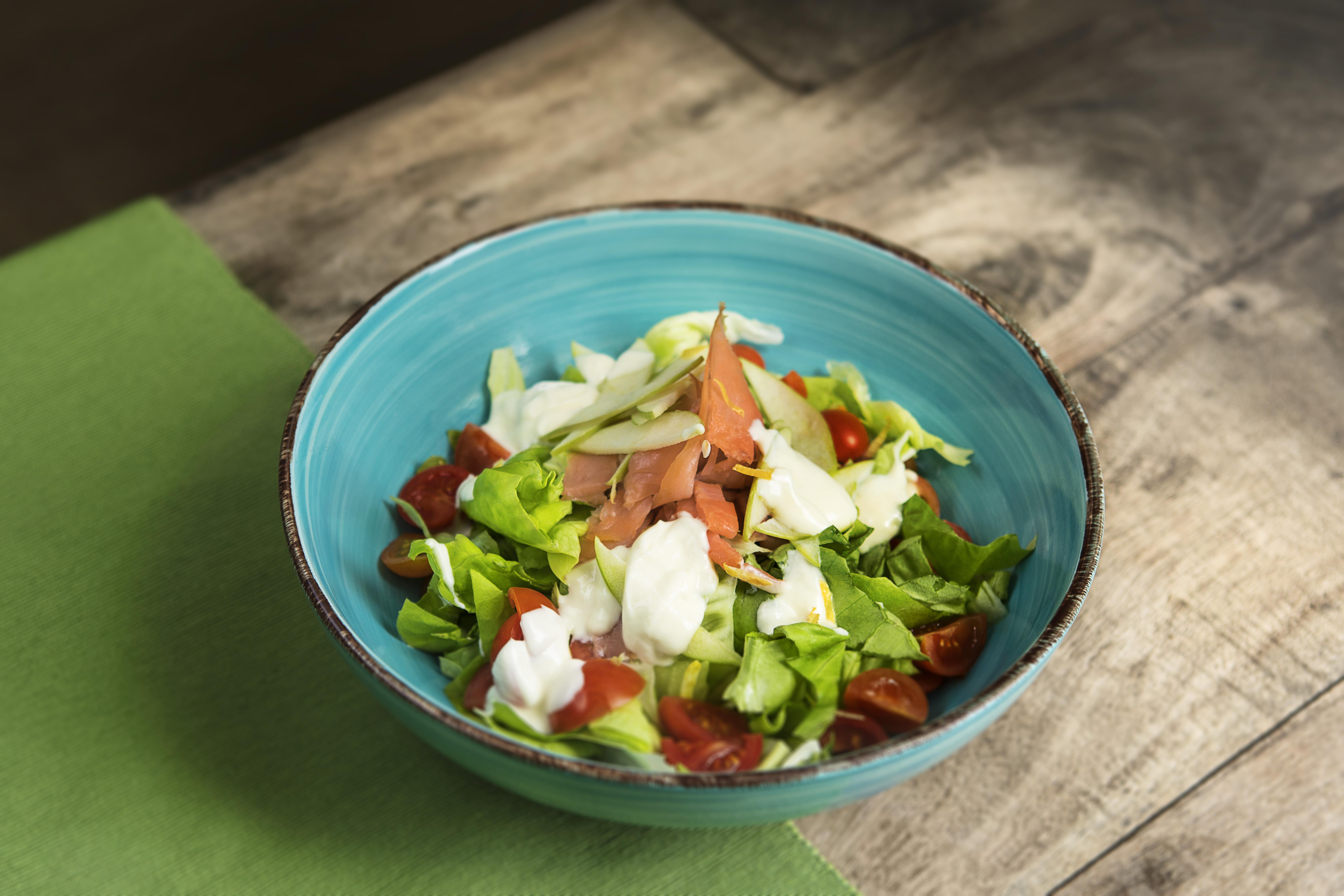 Salmon Salad (Dallapé)
