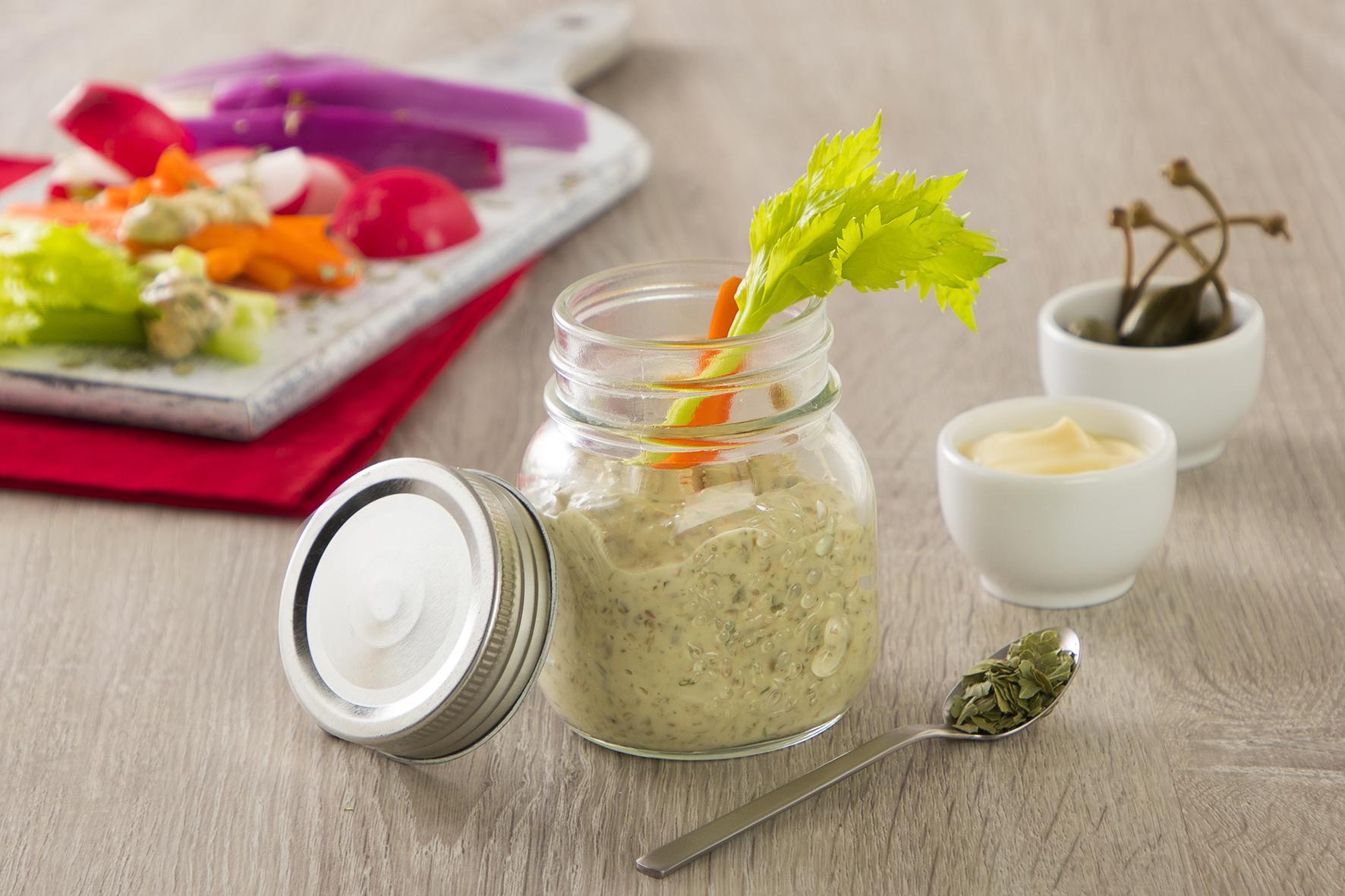 Salsa remoulade con capperi, cetriolini, senape e erbe aromatiche